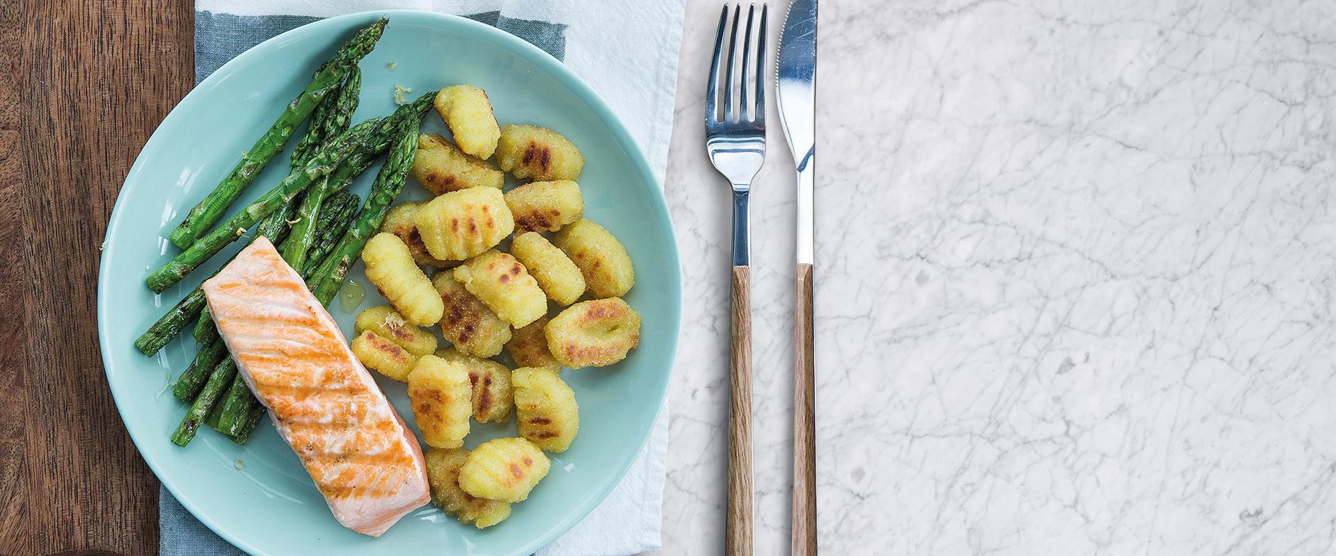 Salmon Filet With Asparagus And Original Pan Fried Gnocchi
