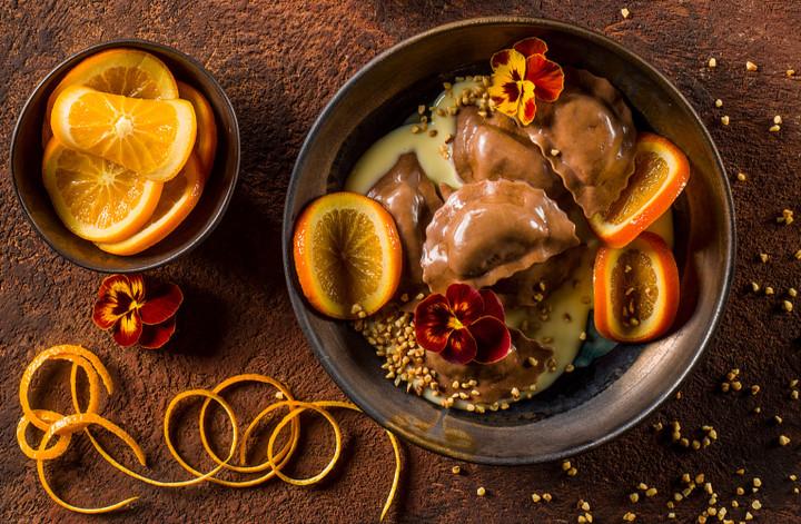 IT-ricette-ravioli-cioccolato-salsa-vaniglia-arance-T.jpg